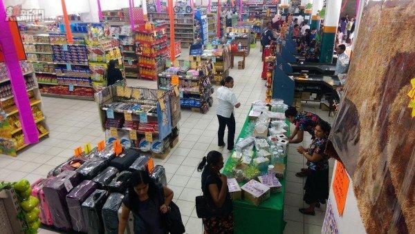 IMAG1492 m8 600x339 購物四圍走 體驗斐濟式生活