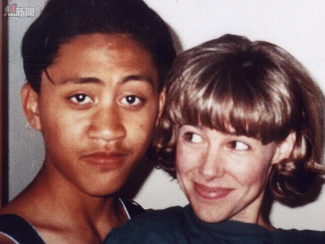 美女老师18年前性侵犯13岁男学生