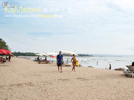 Shopping Mall~Beachwalk對面就是Kuta Beach