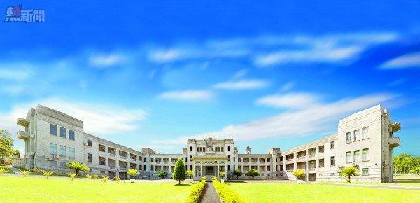 Government Buildings FINAL 2 100CM_retouched clouds_LR