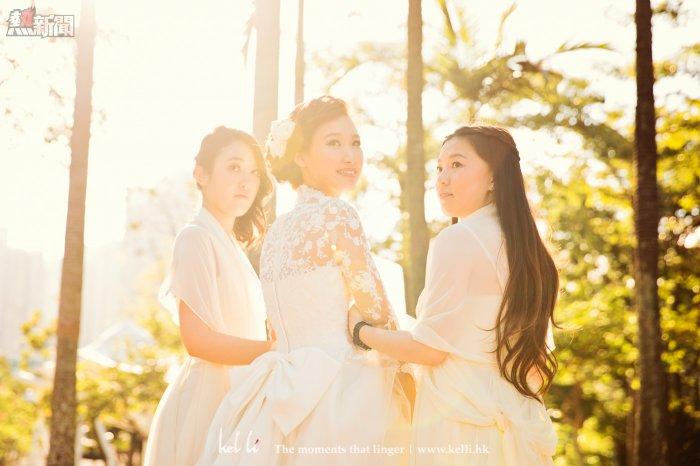 姐妹為新娘的合照