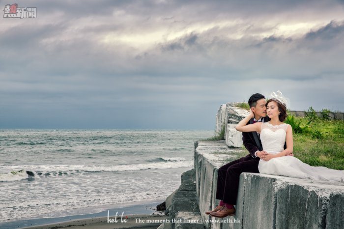 海邊的婚紗照