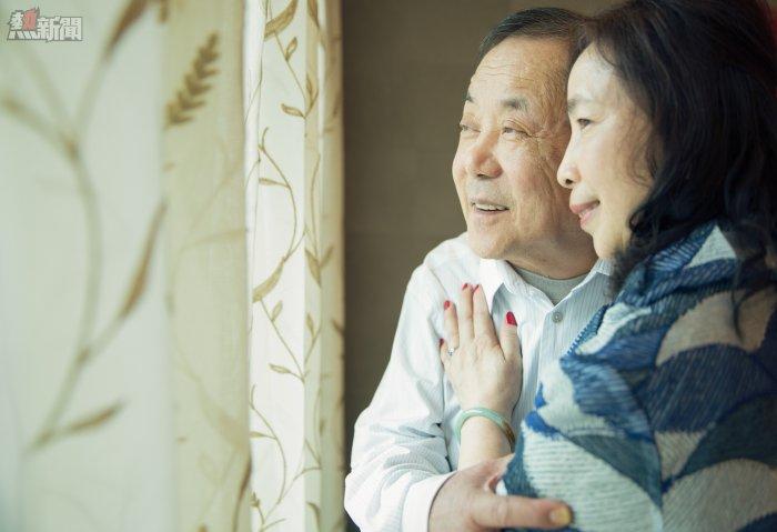 婚禮中值得記念的又怎能缺少雙方的父母,這日對他們的義意也很重大,都是百感交雜