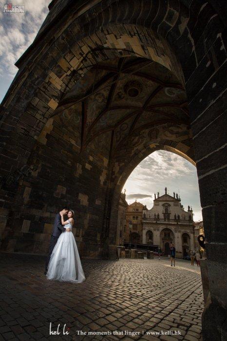 要拍攝這張婚紗照,真的是要點耐性