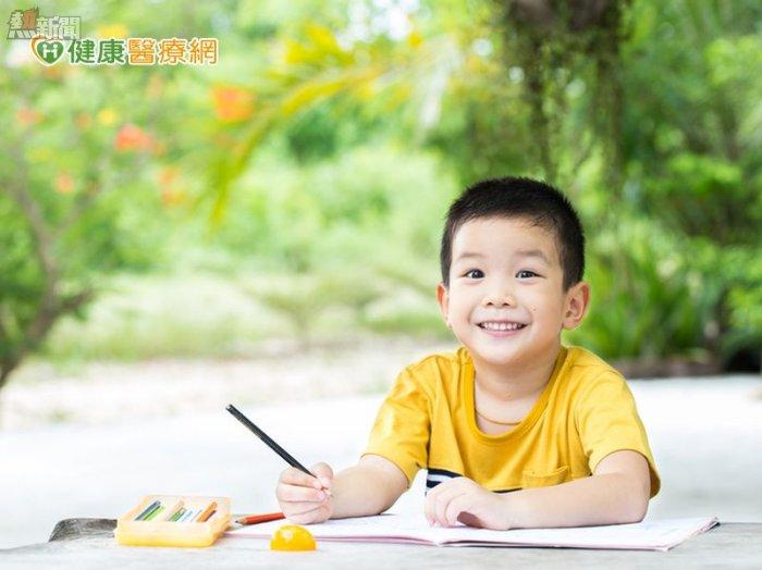 孩子寫字常歪七扭八 恐因視知覺出問題