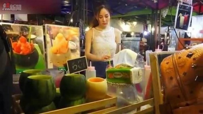 泰國水果攤正妹遞手套..千萬不要接!老司機:「否則一定出事」..出國爽前你必須知道!